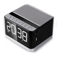 P8 Multimedia Boxa portabila Bluetooth cu afisaj electronic